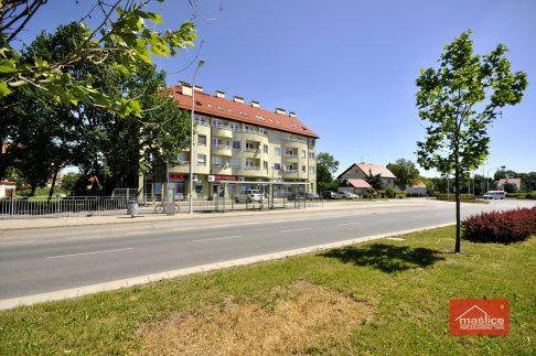 Maślice Wrocław ul. Pilczycka 196 - 198 realizacja 2004 r.